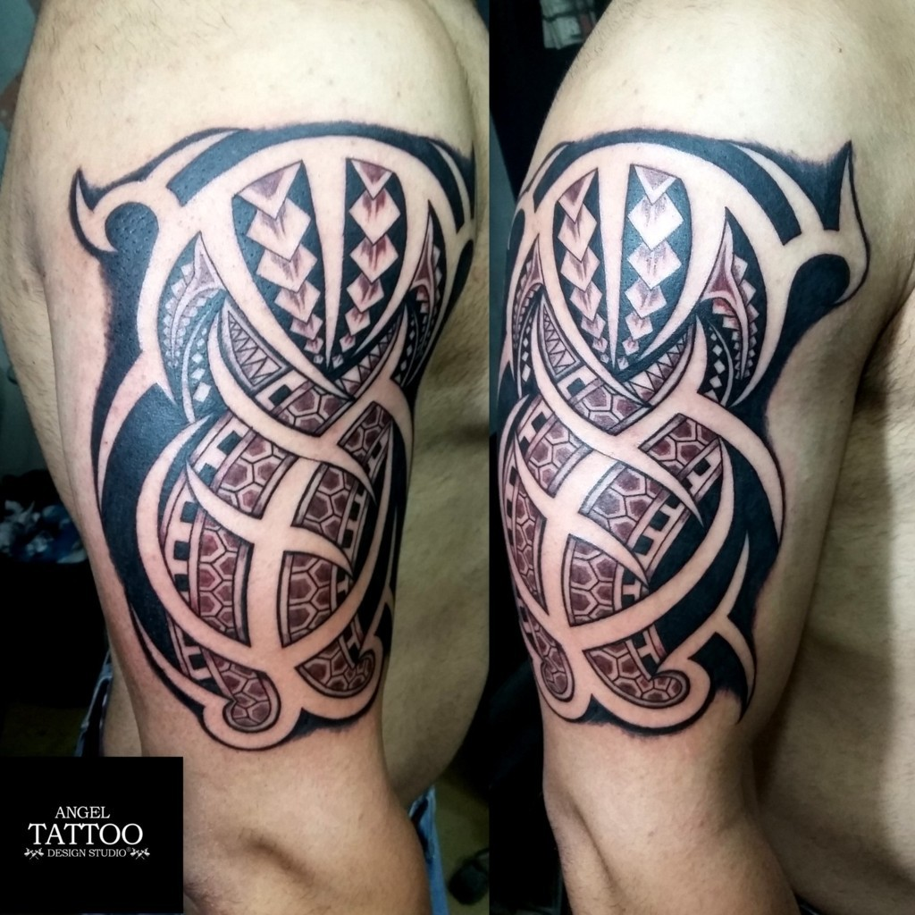 Tattoo training course where students learning how to make for Tattoo artist education courses